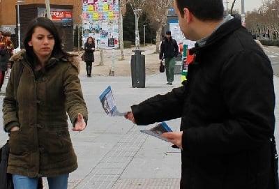 Reparto de folletos en Madrid